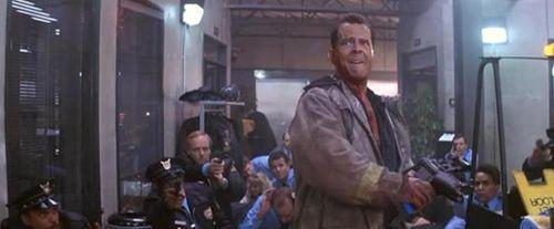 DIE HARD 2 McClane 1