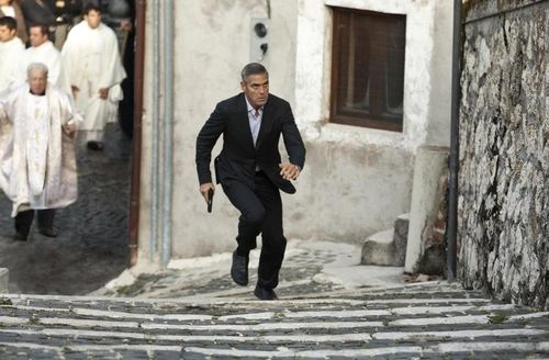 AMERICAN Clooney Stairs