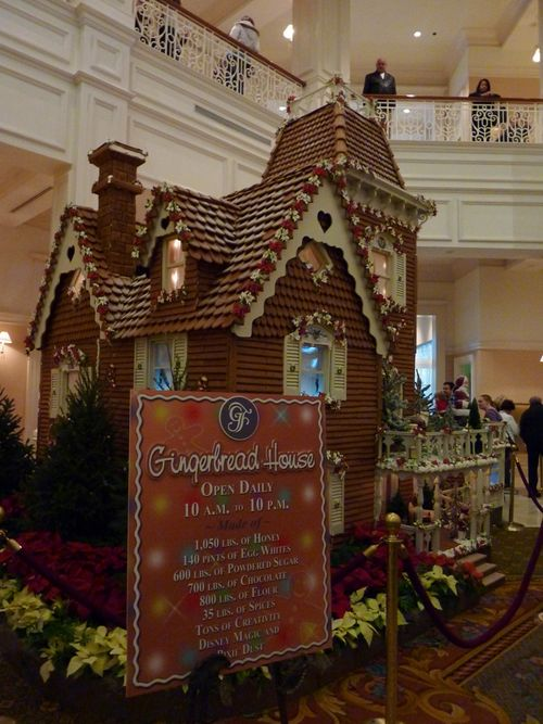 Walt Disney World Hotel Christmas 24