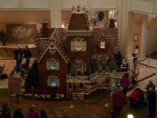 Walt Disney World Hotel Christmas 28