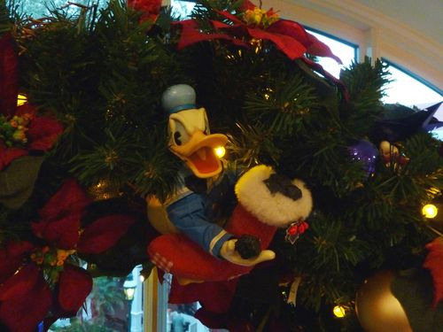 Walt Disney World Hotel Christmas 29