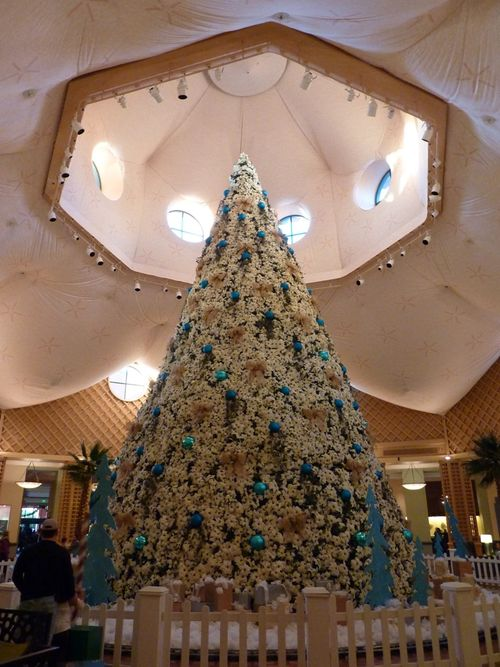 Walt Disney World Hotel Christmas 12