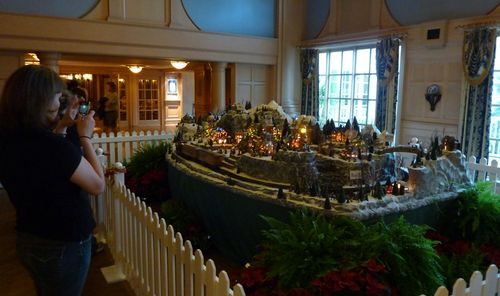 Walt Disney World Hotel Christmas 5