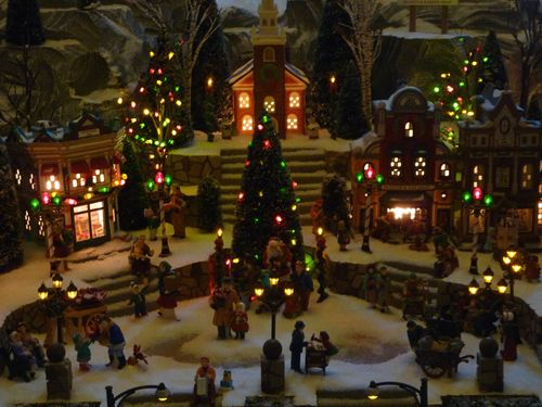 Walt Disney World Hotel Christmas 6