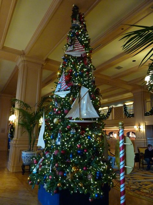 Walt Disney World Hotel Christmas 8
