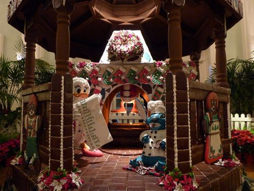 Walt Disney World Hotel Christmas 18