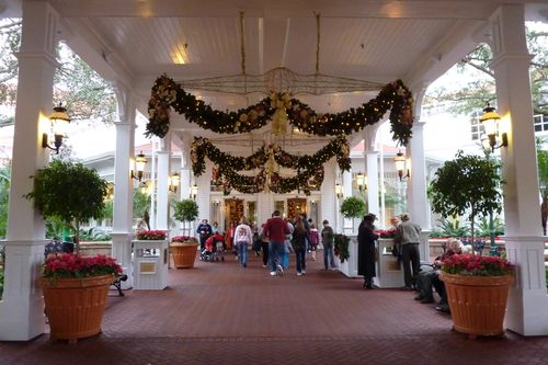 Walt Disney World Hotel Christmas 20