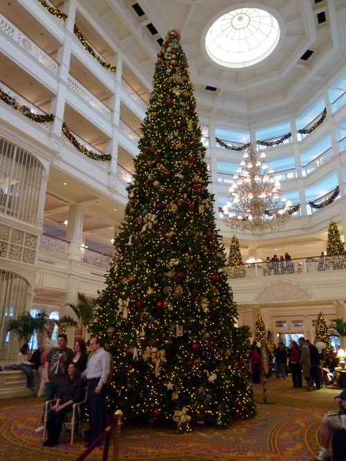 Walt Disney World Hotel Christmas 21