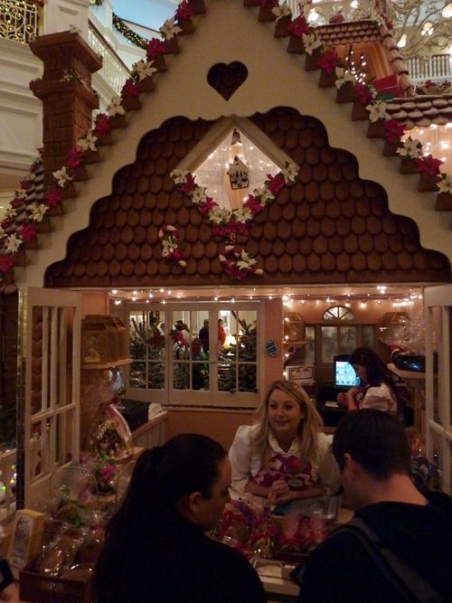 Walt Disney World Hotel Christmas 27