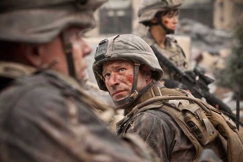 BATTLE LOS ANGELES Aaron Eckhart