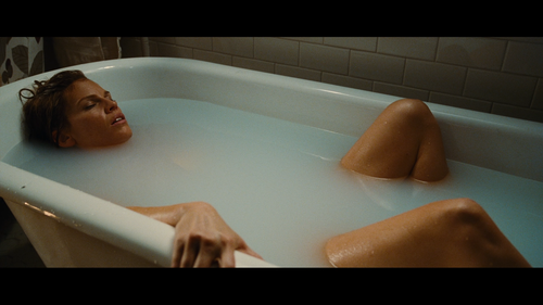 RESIDENT Hilary Swank Bathtub