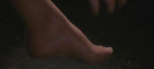 V.I. WARSHAWSKI Foot 1