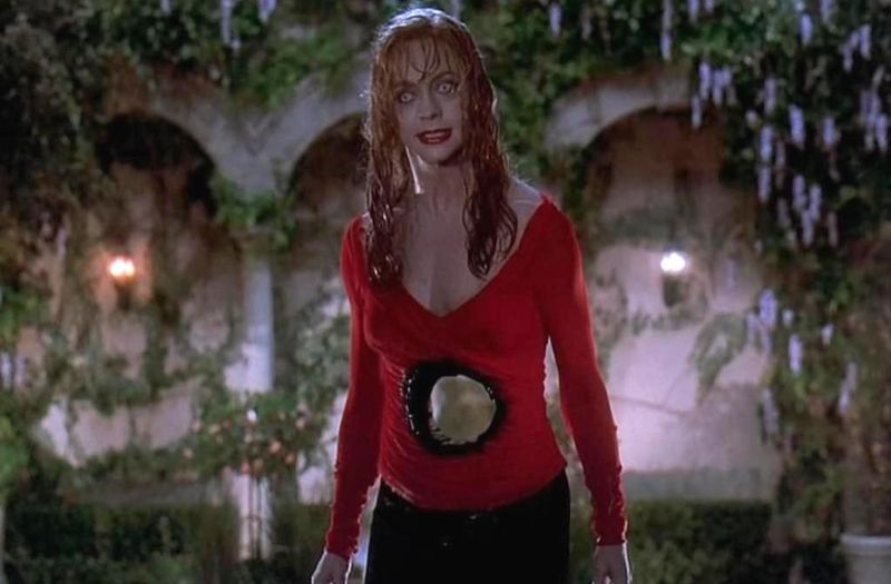 DEATH BECOMES HER Goldie Hawn Stomach