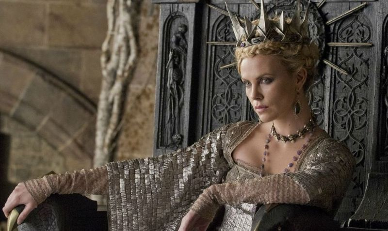 SNOW WHITE AND THE HUNTSMAN Still 1