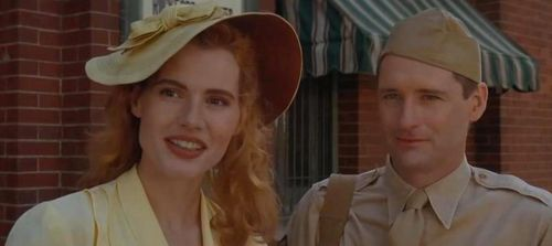A LEAGUE OF THEIR OWN Geena Davis Bill Pullman