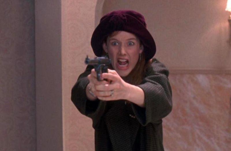 GUN IN BETTY LOU'S HANDBAG Penelope Ann Miller Gun