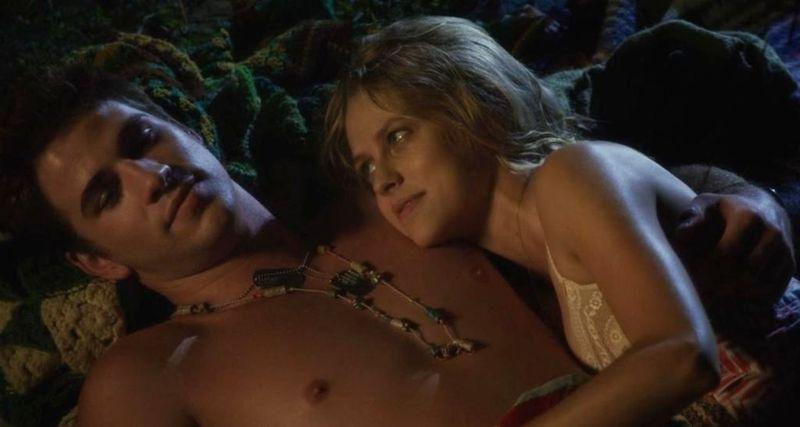 LOVE AND HONOR Liam Hemsworth Teresa Palmer