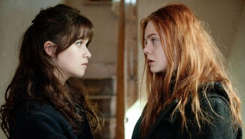 GINGER AND ROSA Elle Fanning Alice Englert