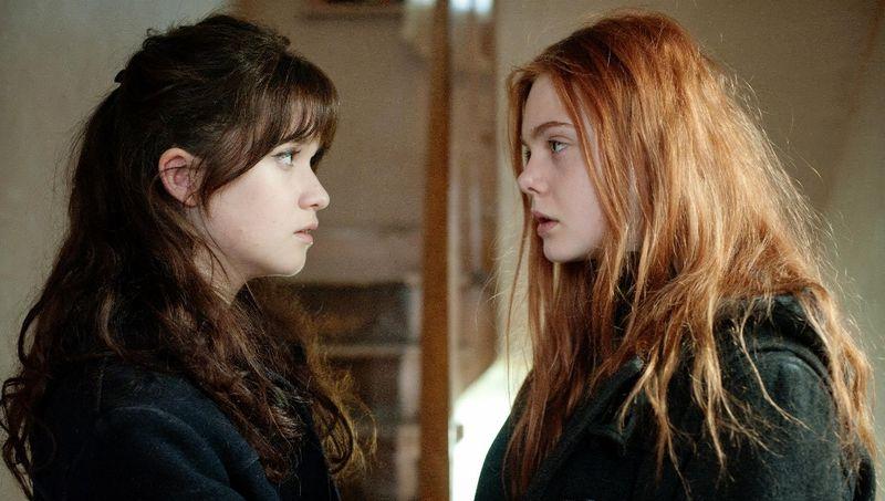 GINGER AND ROSA Elle Fanning Alice Englert