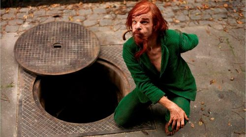 HOLY MOTORS Still 1