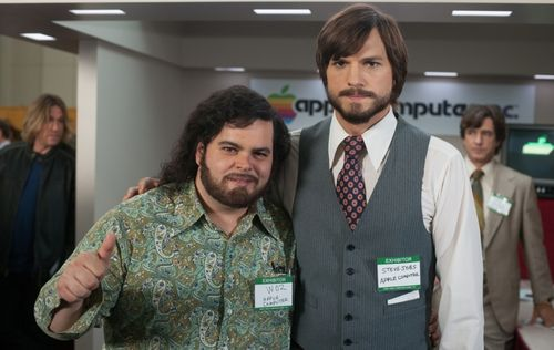 JOBS Ashton Kutcher Josh Gad