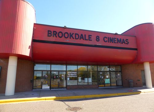 BROOKDALE 8 Cinemas Brooklyn Center, MN 3
