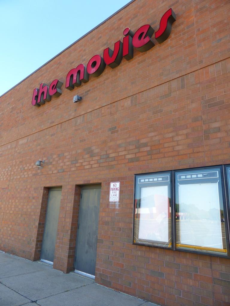BROOKDALE 8 Cinemas Brooklyn Center, MN 9