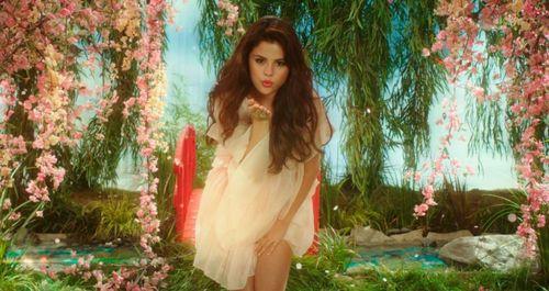 BEHAVING BADLY Selena Gomez